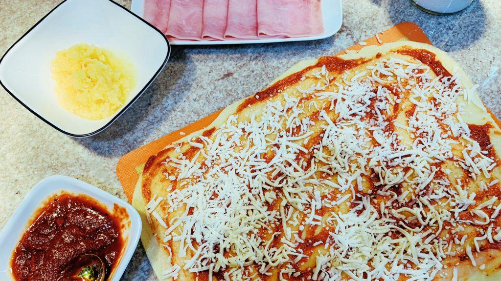 Ham and Pineapple Pizza Pinwheels