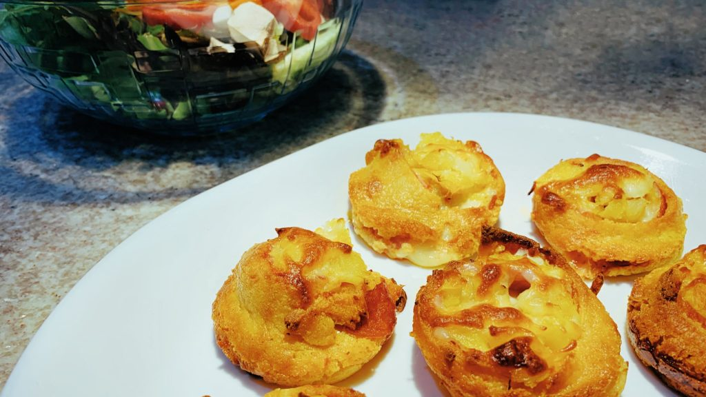 Pizza Pinwheels with Ham and Pineapple