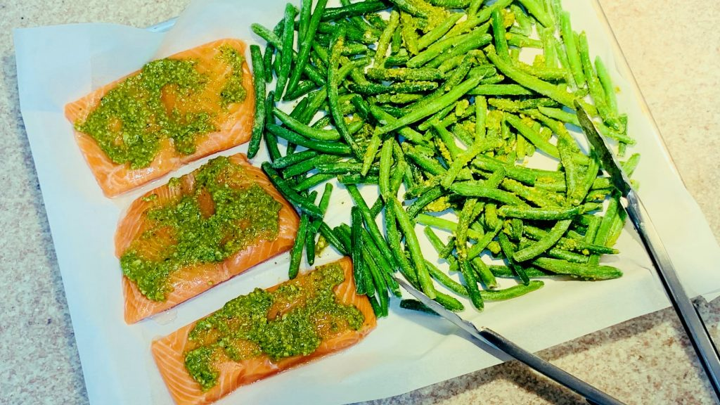 Pesto Salmon and Green Beans