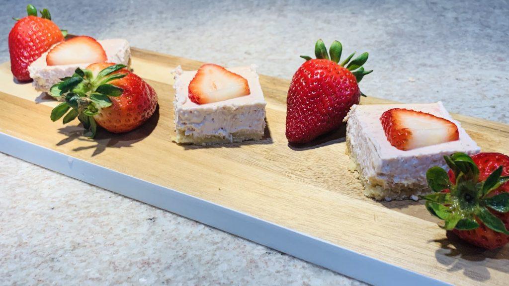 Keto Strawberry Cheesecake Bars